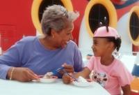 Disney_Outdoor_Dining1