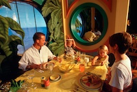 Disney_dining_parrotcay